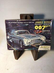 James-Bond-007-Aston-Martin-DB5-Airfix-Craftmaster-Model-Kit-1-24-Scale-UNBUILT