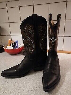 Carmens Tex 3 cowboy boots.