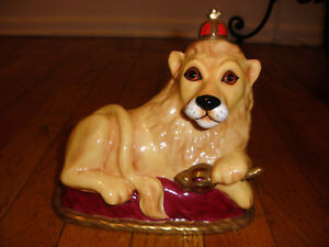 ROYALE STRATFORD STAFFORDSHIRE PORCELAIN LION KING FIGURINE LTD ED