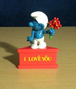 Smurfs Lover Smurf 20044 Red Flowers Vintage Figure 1978 Schleich Peyo PVC Toy