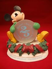 Michey Mouse Cast Member Holiday1996 Celebration Figurine Exclusive Walt Disney