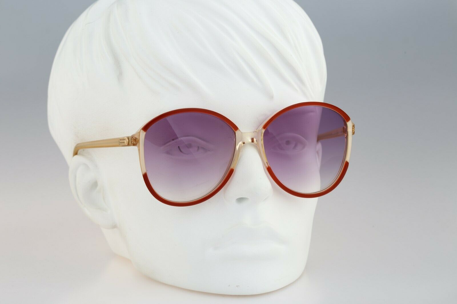 Silhouette M 1126 20 C 2713, Vintage 70s red & cl… - image 2