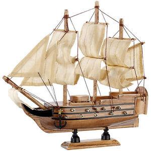 "Playtastic Schiff-Bausatz ""Flaggschiff"" aus Holz"