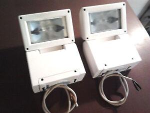 2-fari-proiettori-150w-per-interni-SIDE-riflettori-faretto-illuminazione-negozio