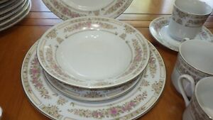 China-Dinnerware-Set-Trianon-by-SANGO-Majesty-collection-Service-for-12-mostly