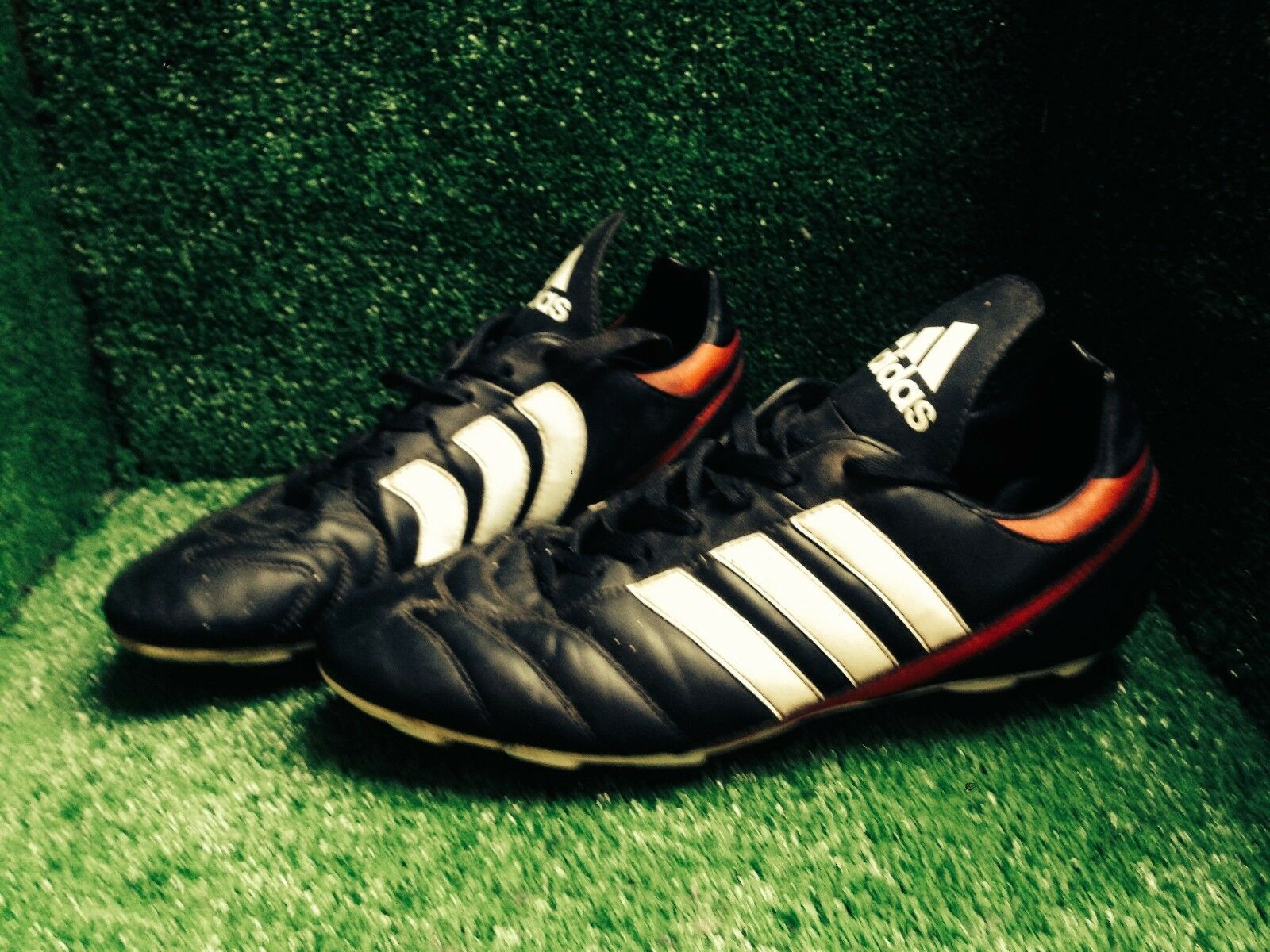 Adidas Predator absolute traxion shoes Size 11 10,5 45