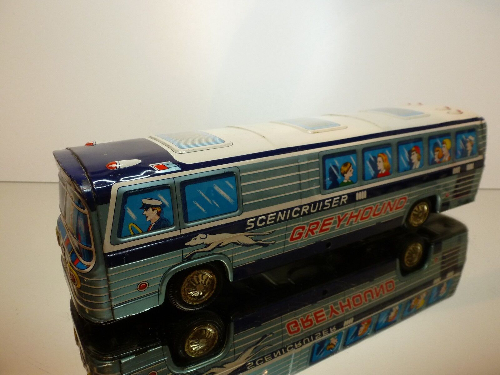 JAPAN 49 TIN TOYS BUS GM GREYHOUND SCENICRUISER - FRICTION - L33.5cm - GOOD