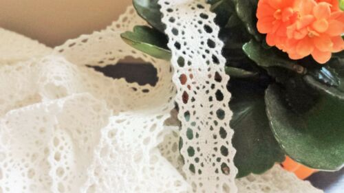 1m Vintage style Cotton crochet lace edge trim OFF WHITE CREAM Ribbon Crafts