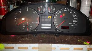 4272 Tacho Kombiinstrument Cockpit Audi A4 B5  V6 TDI 8D0919861A  273974 km
