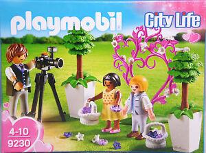 PLAYMOBIL-9230-Fotograf-mit-Blumenkindern-Maedchen-mit-Kleid-Junge-Pflanzen-NEU