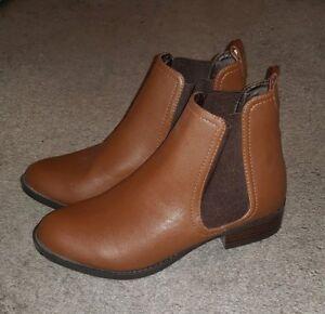 Brown Chelsea Boots New Look 3   eBay