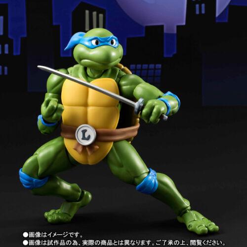 Figuarts TMNT Ninja Turtles Leonardo figure Bandai Tamashii web exclusive S.H