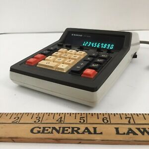 Rare-Vintage-SANYO-CY-3020-Calculator-Powers-up-and-Works-FAST-SHIPPING