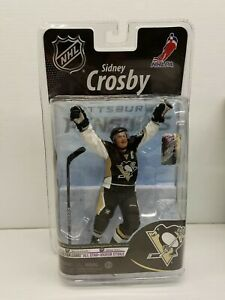 McFarlane-Toys-SIDNEY-CROSBY-PITTSBURGH-PENGUINS-NHLPA-Figure-8-inch-used