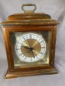 Very-Nice-Vintage-Hamilton-Greenfield-Manor-Table-Clock-WORKS-amp-Chimes-a446