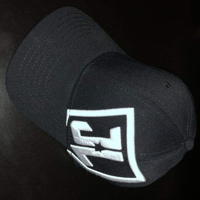0c85e6d254e09 NEW NWT DC COMICS Justice League JL Flexfit Hat Cap OSFA SDCC Black White  RARE