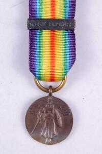 WW1 US ARMY NAVY UNITED STATES VICTORY MINIATURE MEDAL WEST INDIES BAR