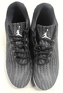 02ab7bf3423da3 Jordan Mens B.Fly Round Toe Lace-Up Basketball Shoes 11.5. M.S.