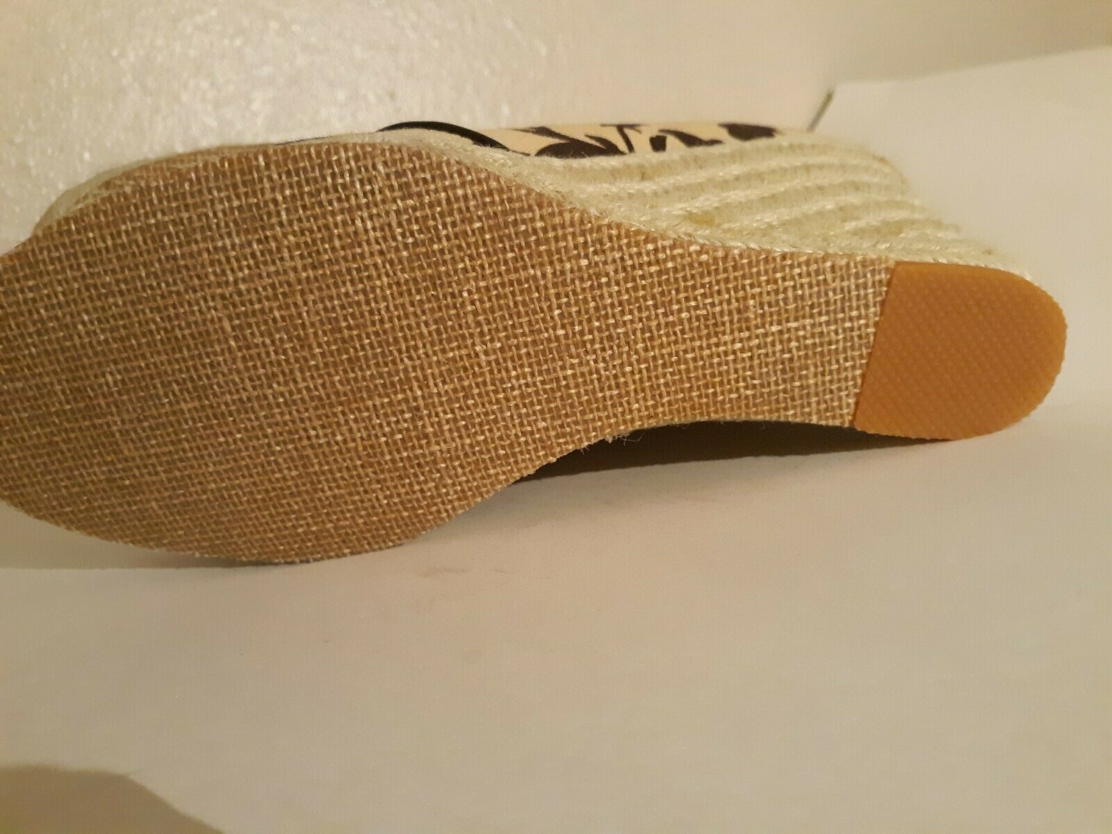 Tommy Hilfiger Tan Womens Size 8 open toe Wedges - image 9