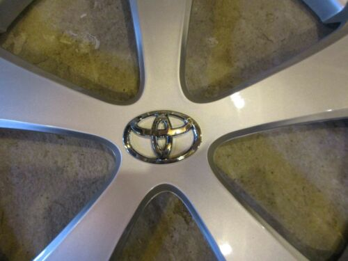 "Brand New 2012 2013 2014 2015 Prius Hubcap 15/"" Wheel Cover 61167"
