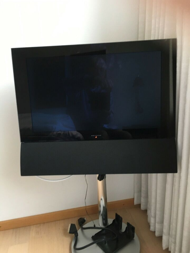 "Bang & Olufsen, BeoVision 6, 22"""