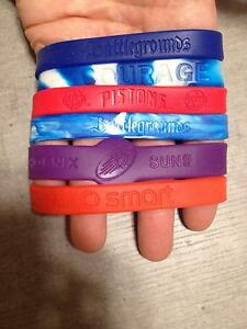 6 braccialetti gomma nuovi