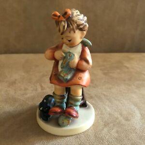Mother-039-s-Helper-Hummel-Goebel-Figurine-133-vintage-Germany-tm5-bee-girl