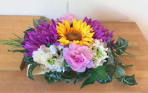 Details Zu Tischgestecktischdekoration Blumengesteck Taufe Sonnenblumechrysantheme