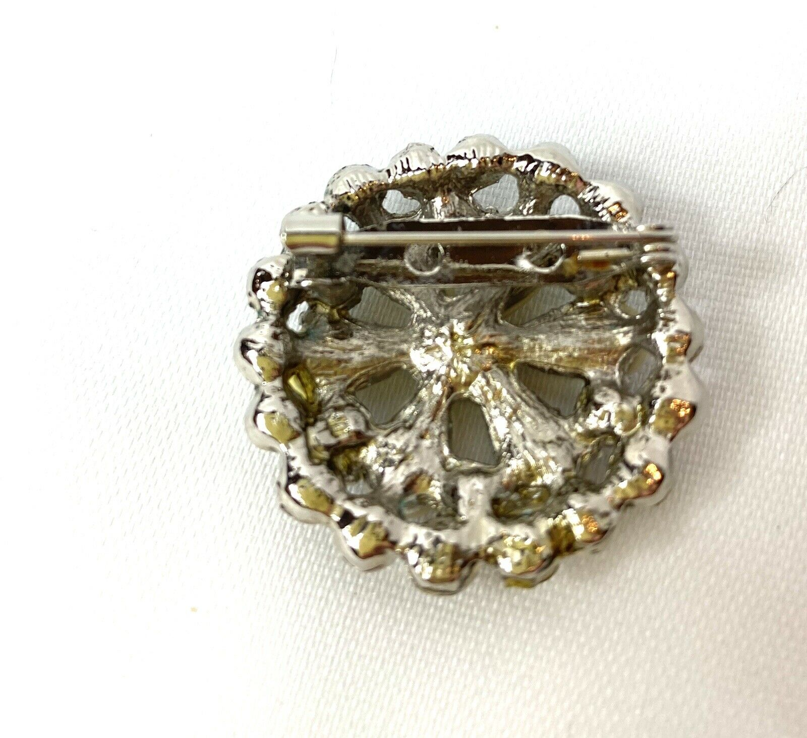 Vintage Pearl Petal Brooch - image 3