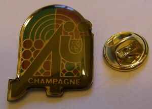 CHAMPAGNE-AY-French-Wine-vintage-pin-badge