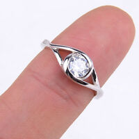 925 Sterling Silver Stunning Round Shiny Crystal Inlay Split Ring Size 3-6 H835