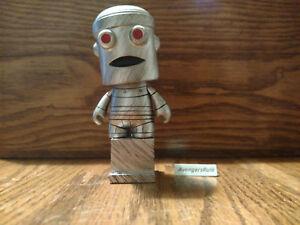 Kidrobot ADULT SWIM Mini Series 2 HUMPING ROBOT 1//48 CHASE Vinyl Figure Chicken