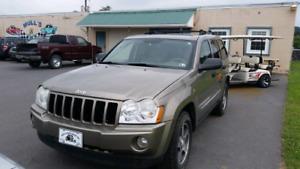 2005 Jeep grand cherokee super bas mileage Clean !!!