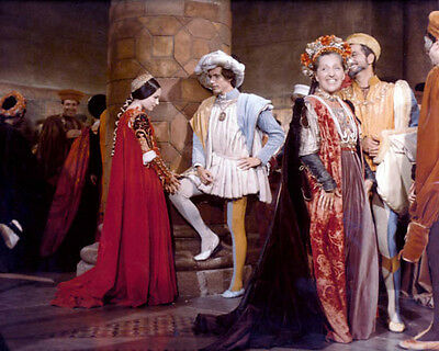 other Sizes 1968 1038426 8x10 Photo Making Things Convenient For Customers Olivia Hussey Romeo And Juliet