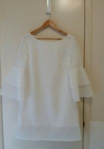 NEW-Tier-Bell-sleeve-white-shift-dress-with-matching-hairpieces-size-12-14