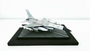 1-72-F16-Fighting-Falcon-Diorama-Argentinian-Air-Force-Jet-gebaut-amp-lackiert