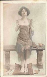 jid-Postcard-Lady
