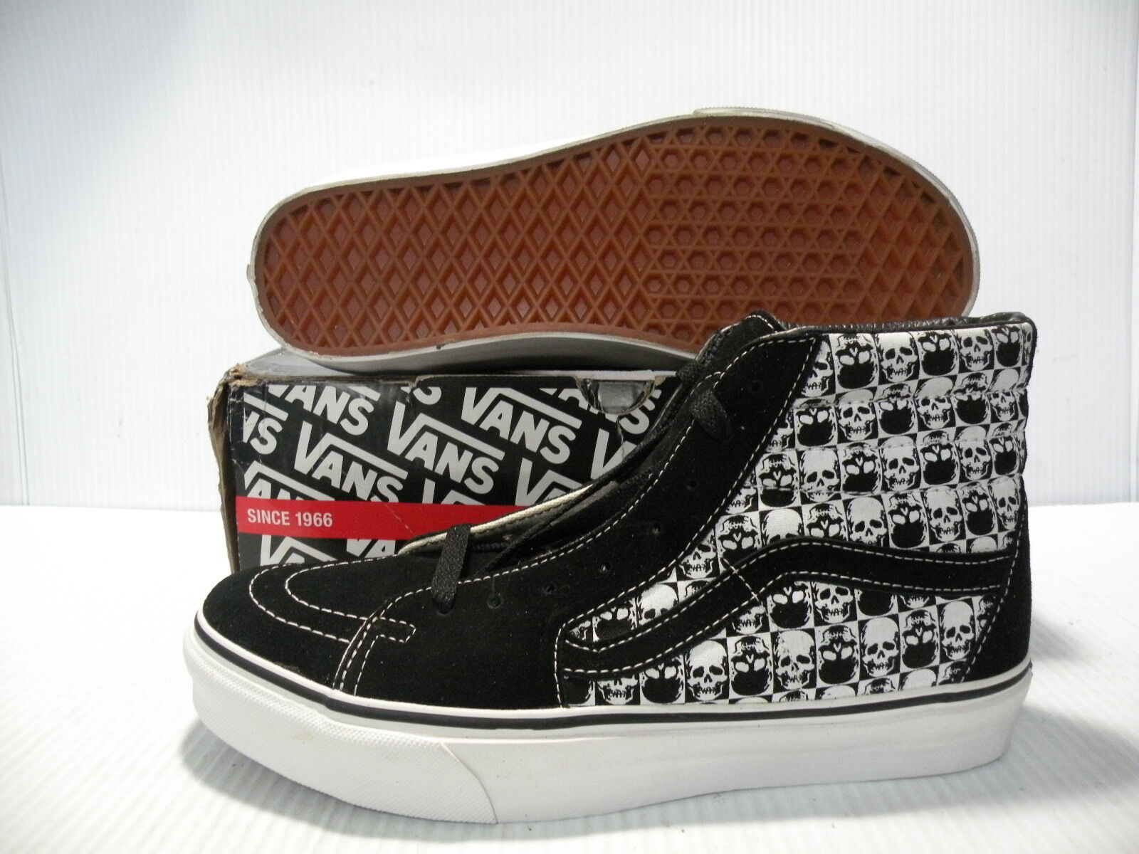 VANS SK8 HI SKULLS SNEAKERS MEN SHOES BLACK WHITE 895399 SIZE 9 NEW