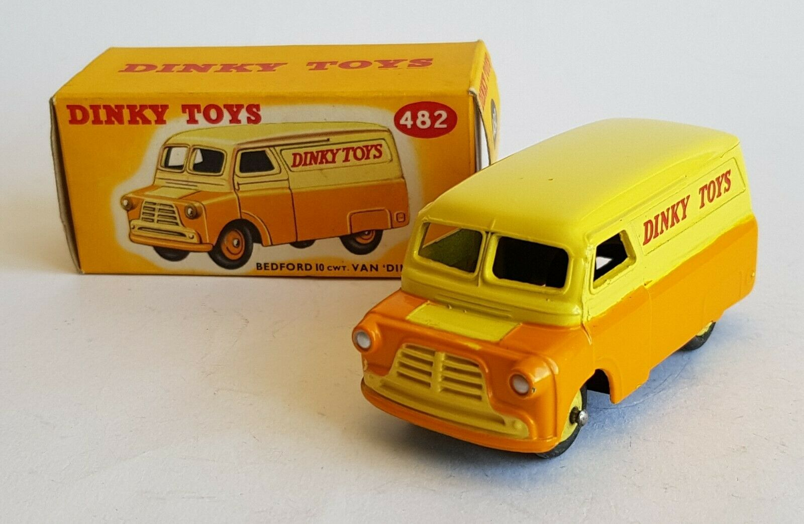 DINKY TOYS No 482, Bedford 10 CWT Van,  DINKY TOYS , très Near Comme neuf condition