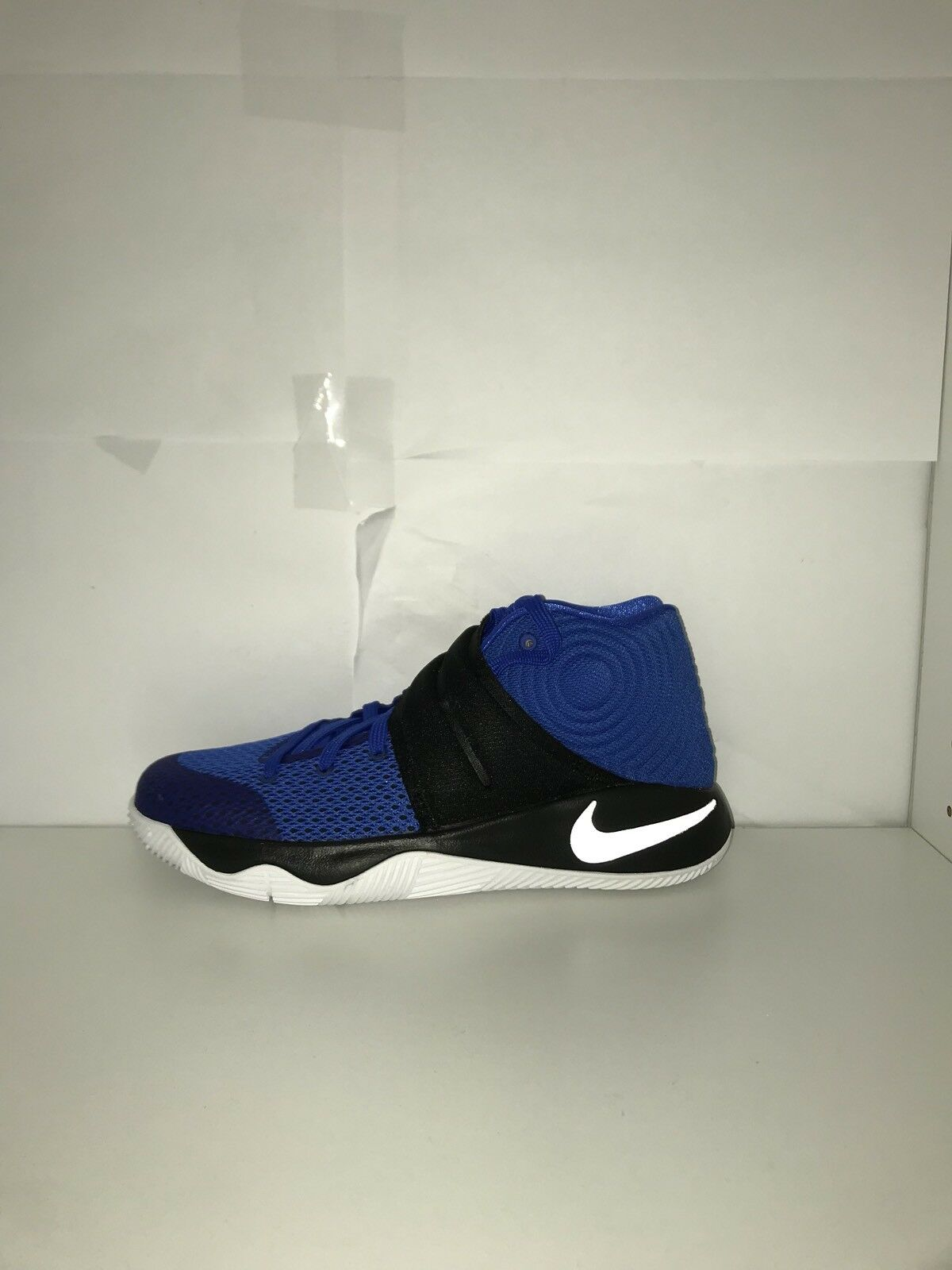 Nike Kyrie 2 Size 6.5  Cheap and fashionable