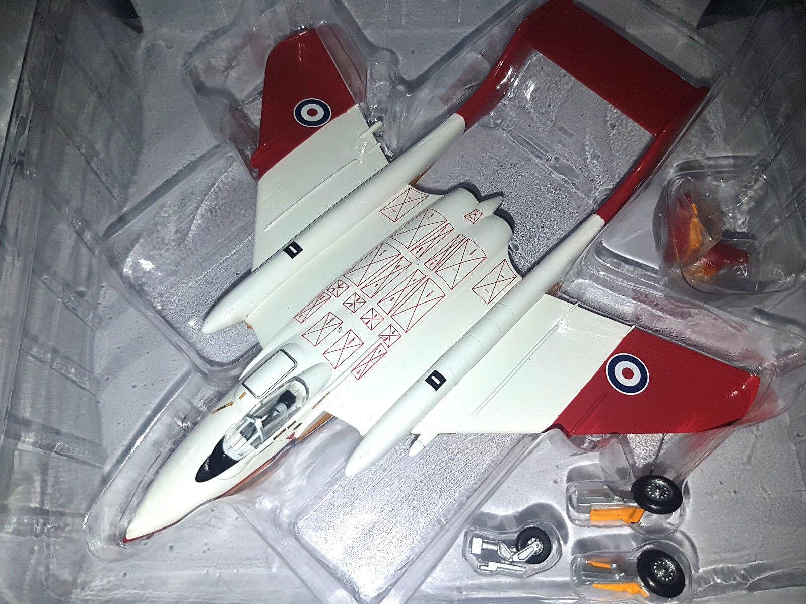 de Havilland Sea Sea Sea Vixen FAW 2 XS587 1984  Scala 1:72 Die Cast 72 Aviation Nuovo | La Reine De La Qualité  b77b55