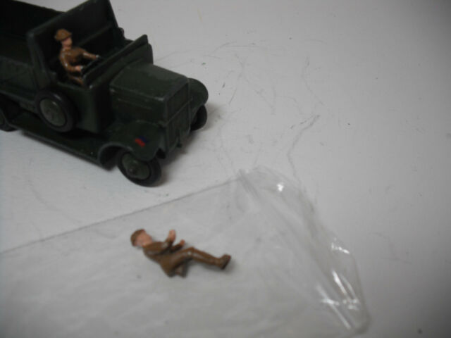 VINTAGE EARLY DINKY TOY MILITARY REPLACEMENT DRIVERS #160