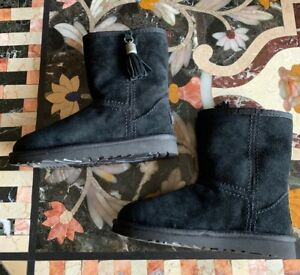 UGG-Youth-Girls-Kids-CLASSIC-Tassel-Black-Suede-Leather-Winter-Snow-Boots-2-NEW