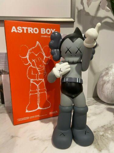 ASTRO BOY ORIGINAL KAWS COMPANION  BOX 37CM//14IN.