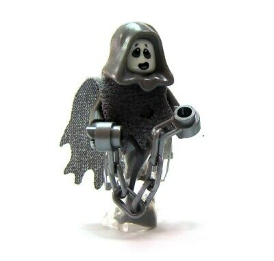 Lego 2 Minifigure Figure Boy Girl Frightened Scared  Halloween  Trick Treat