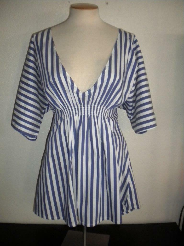 ONIA MS SIZE MEDIUM blueE AND WHITE COASTAL STRIPED DOLAMN SLEEVE COVER UP   TOP
