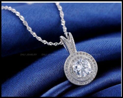 18K Platino Chapado Claro Redondo 1.25CT Collar de Cristal CZ de flecha /& corazón colgante