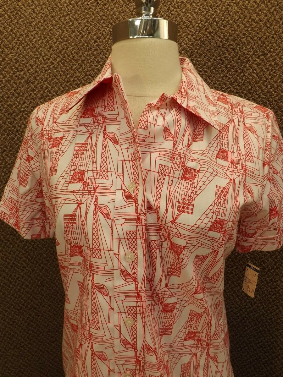 Classy Cool Vtg 1960s New NOS Red & White Sailboat Print Button Down Shirt Sz M