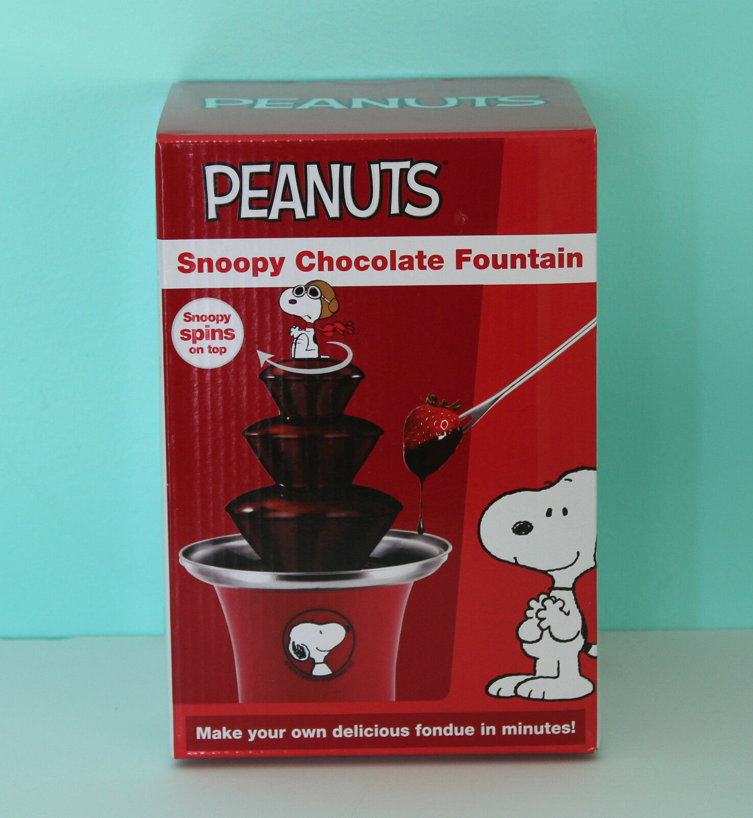 Peanuts Fondue Valentines Red New in Box Snoopy Chocolate Fountain tiered