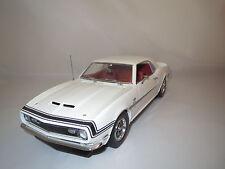 LANE ExactDetail Replicas  Chevrolet  Camaro  427  SS  (weiß/rot) 1:18 ohne Vp.!